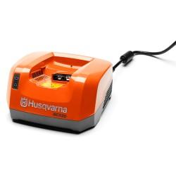 QC330 Chargeur batterie Husqvarna 967091401